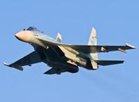 Túl kiváncsi volt az amerikai kémrepülő - üzenték az oroszok egy Szu-27-essel