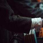 Fekete lemez = fekete leves? Ontja a káros anyagokat a zeneipar
