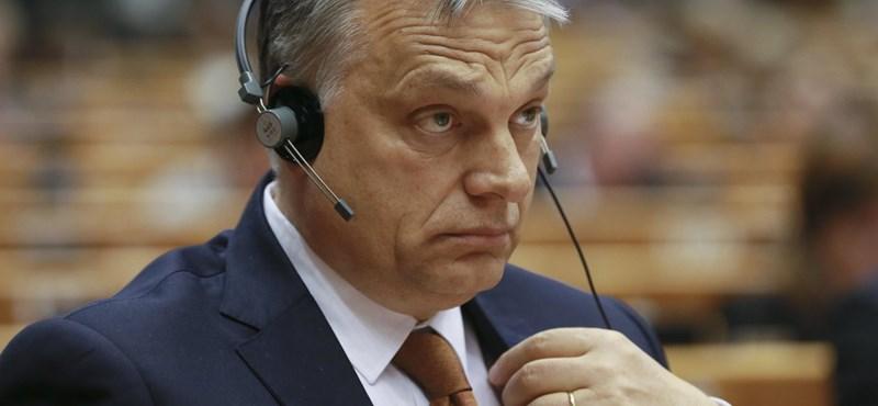 Kamuméter: simogat-e migránst és civilt a Fidesz Brüsszelben?