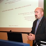 Plagizált egy neves tábornok a Debreceni Egyetemen
