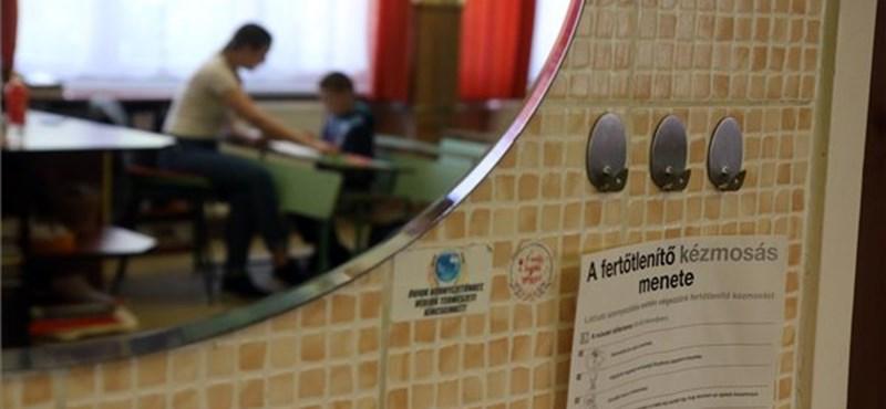 Szokásos ballagás és tanévzáró nem lesz, de júniustól kinyitnak az iskolák