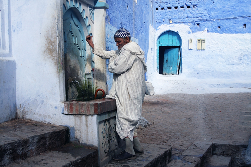 A jellabat a berber férfiak hagyományos viselete.