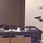 Videó: lövöldözés egy floridai iskolában