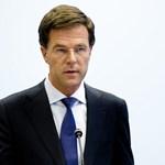Holland miniszterelnök: Ez undorító történelemhamisítás