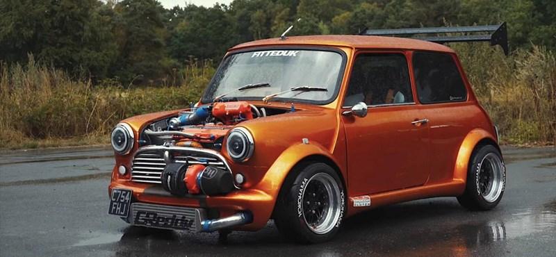 360 lóerős most ez a széttuningolt kis Mini