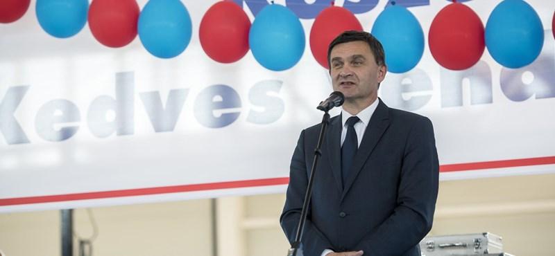 Szekszárd fideszes polgármestere egyedül elfogadta a város költségvetést