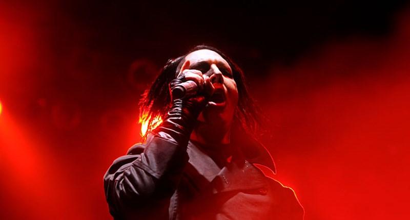 Koncert közben összeesett Marilyn Manson - videó