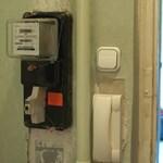 Öt megyében manipulált villanyórákat két villanyszerelő