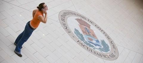 Az ELTE határozatlan időre felfüggeszti a felsőévesek kollégiumi felvételijét