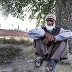 Fotó: így néz ki a férfi, aki 144-nek mondja magát