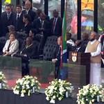 Megkezdődött Mandela gyászszertartása