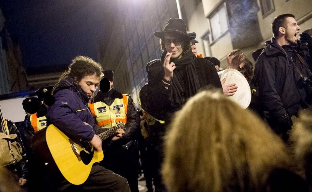 tüntetés szalay szemerei utca diáktüntetés tandíj