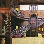 Lázárék felújítva ajándékoznak el egy belvárosi palotát