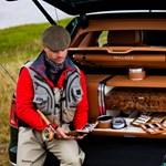 Lassan dugót okoznak a magyarországi luxusautók, nyílik a Bentley szalonja