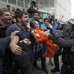 Katalónia: brutalitás testközelből