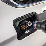 A Mol is belevág a hidrogénes autózásba
