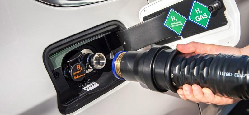 Hidrogénautó, plug-in hibrid. Melyik lesz a győztes technológia?