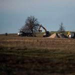 Perekkel terhelt földeket is megpróbál elsózni az állam