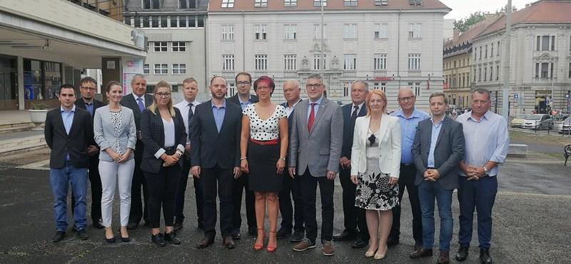 Elítéli a Jobbik, hogy a győri szervezete kiugrott az ellenzéki összefogásból