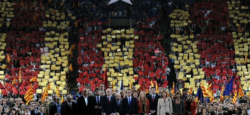 Katalóniában megkezdődött a függetlenségi népszavazás