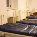 Kilenc koronavírusos lakó került kórházba egy 13. kerületi hajléktalanszállóról