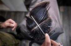Ákos haja égnek mered, egymást nyalogató punkok és a Hableány-tragédia – ezek voltak 2019 legjobb magyar sajtófotói