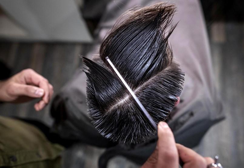 Ákos haja égnek mered, egymást nyalogató punkok és a Hableány-tragédia - ezek voltak 2019 legjobb magyar sajtófotói