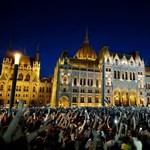 Meglepetés! Sorost látja a szombati tüntetés mögött a kormány