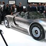 Méregdrága tesztautót tört a Porsche-alkalmazott