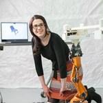 Robotok faragják az egyedi székeinket és az ágyunkat is