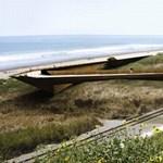 Elképesztő függőhíd a tengerparton