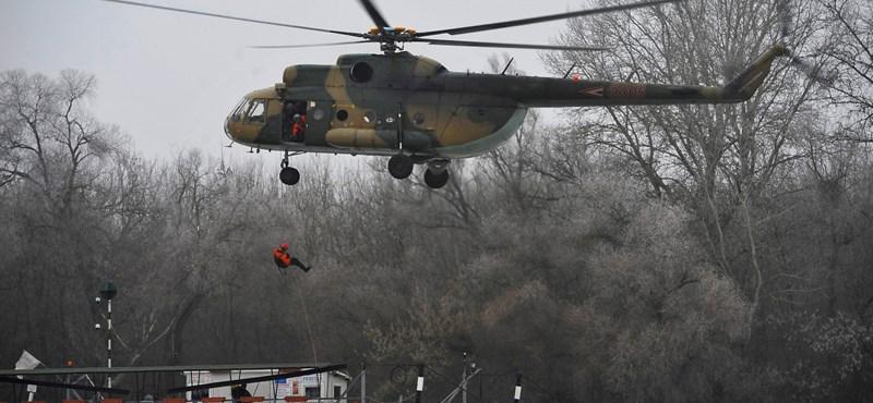 Haderőfejlesztés: 40 helikopter kellene