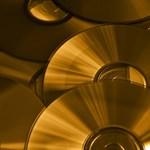 Jön az újfajta CD-lemez, amire 700 000 gigabájt adat fér