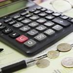 Itt vannak a friss fizetési adatok, ennyit lehet keresni a közszférában és a vállalkozásoknál