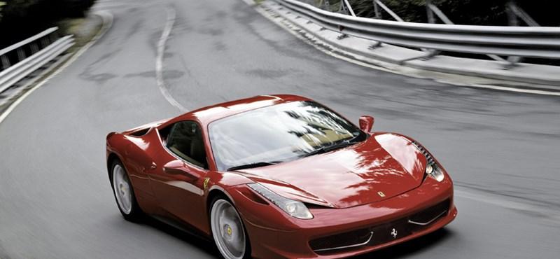Akciós Ferrarik árasztották el a használtpiacot