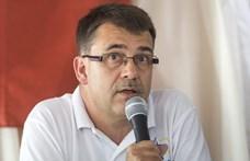 Náci propagandakiadvány ellen tiltakozott, őrizetbe vették, de Alkotmánybíróság nem foglalkozik az ügyével