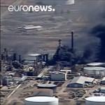 Tízezreket kellett evakuálni egy olajfinomítóban történt robbanás miatt – videó