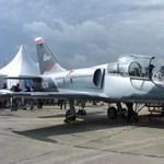 Jó időzítéssel veszrepülőgépgyárat a NER ismert figurája