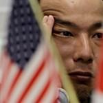 A Standard & Poor's negatívra rontotta Japán adósosztályzatának kilátását