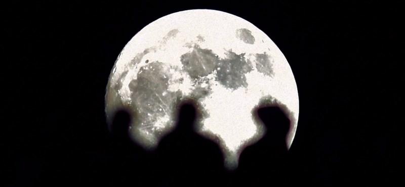 Mobiltelefon-hálózatot telepítenek a Holdra