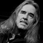 A Facebookon kért segítséget az egyik elismert magyar gitáros