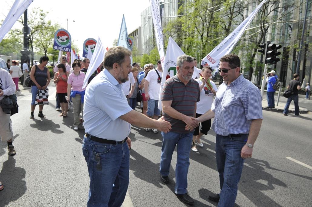 2013. május 1. Szakszervezet - Pataky Péter, Varga László, Székely Tamás - a három szakszervezeti konföderáció közös felvonulása