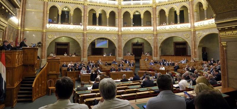 Az ÁSZ besegített, az Országgyűlésnek csak félvakon kell megszavaznia a jövő évi költségvetést