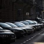 Belenyúlnak a darázsfészekbe a kerületek: több helyen felülvizsgálnák a parkolási engedélyeket