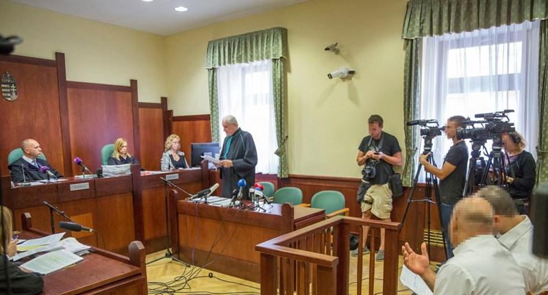 Jogerősen két évvel csökkentették a röszkei terrorper vádlottjának büntetését