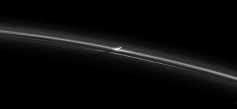 Lefényképezett valami furcsát a Cassini, éppen azelőtt, hogy a Szaturnuszba zuhant