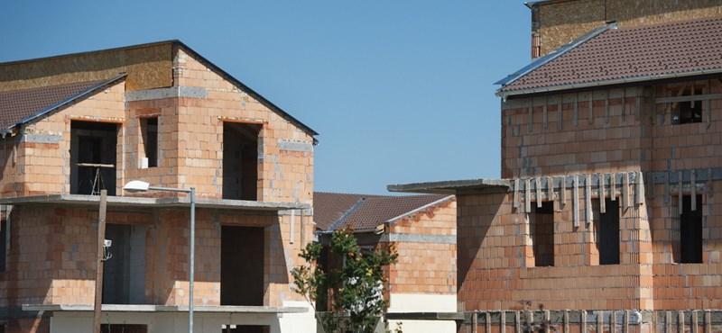 Új lakásba költözne? A kormány szerint sem árt csúszásra készülnie