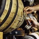 Ahol jó sört és ütős pálinkát főznek, ott miért ne lehetne whiskyt is csinálni?