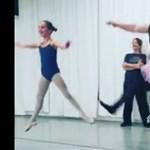 Videó: Mackós apukák álltak be ugrabugrálni tütüben egy amerikai balettiskolában