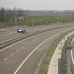 Árokba hajtott egy kocsi az M6-oson